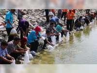 Ratusan Ribu Benih Ikan Ditebar di Sejumlah Embung dan Waduk di Blora