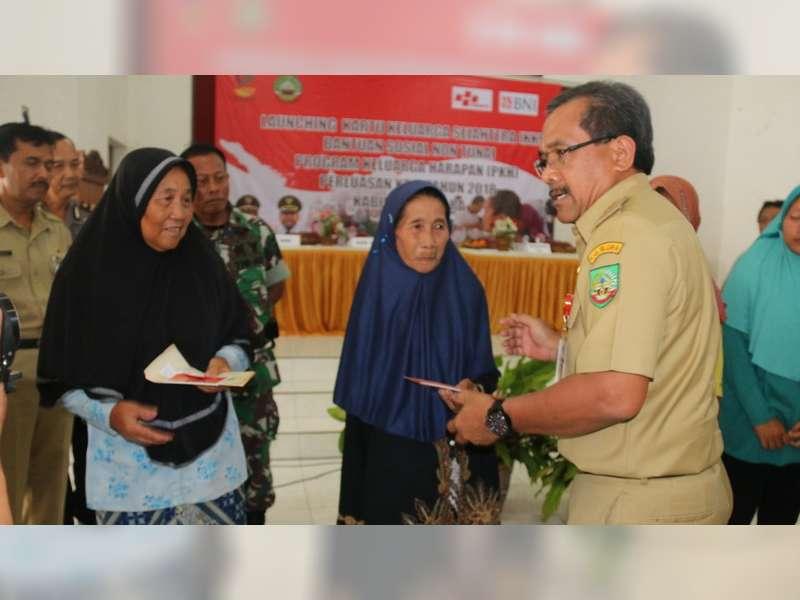 Bupati Blora Launching Kartu Keluarga Sejahtera di Kecamatan Banjarejo