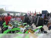 Kapolres Bojonegoro Pimpin Pengamanan Aksi Unjuk Rasa di Gayam