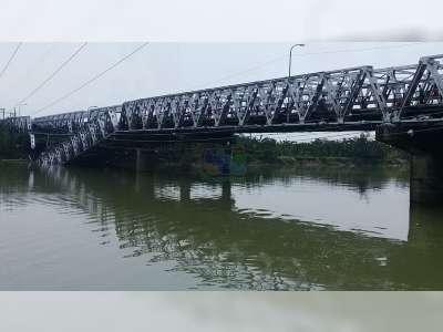 Foto-Foto Jembatan Babat Lamongan Yang Ambrol