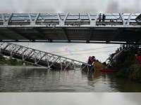 Inilah Data Sementara, Korban Jembatan Babat Lamongan Yang Ambruk