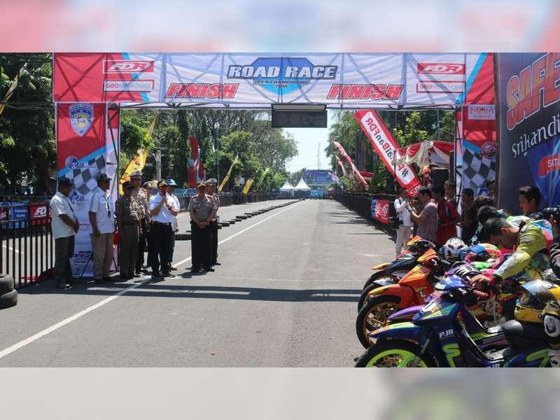 Kapolres Buka Open Road Race Championship 2018 Seri 2 di Bojonegoro