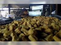 Harga Kedelai Impor Naik, Pengusaha Tahu di Bojonegoro Kelimpungan