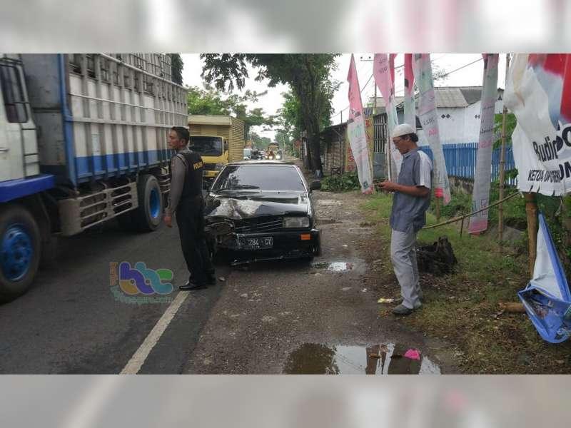Terjatuh Lalu Ditabrak Mobil, Pemotor di Baureno Bojonegoro Luka Berat