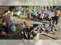 Kemarau Datang, Warga Desa Mlinjeng Sumberrejo Mulai Kesuliatan Air Bersih
