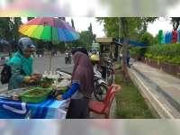 Penjual Takjil Dadakan, Mengadu Peruntungan di Bulan Ramadan