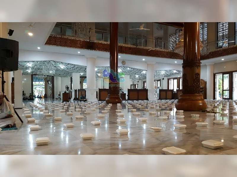 Masjid Darussalam Bojonegoro Setiap Hari Bagi 700 Takjil