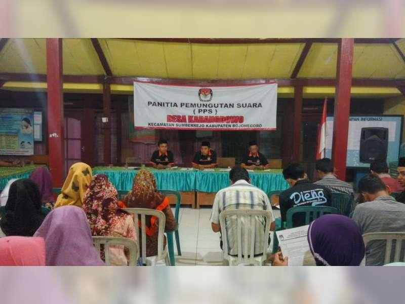 Calon KPPS Karangdowo Jalani Tes Tulis dan Wawancara