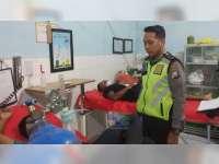 Kurang Hati-Hati, Motor Tabrak Truk di Ngraho, 2 Orang Luka-Luka