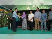 EMCL Berikan Penghargaan Kepada Pelopor Kawasan Bebas Sampah