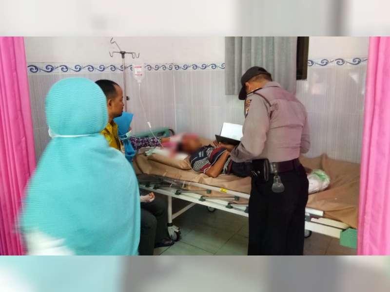 Hendak Menyeberang Revo Ditabrak Scoopy di Kasiman Bojonegoro, Kedua Pengendara Luka-Luka