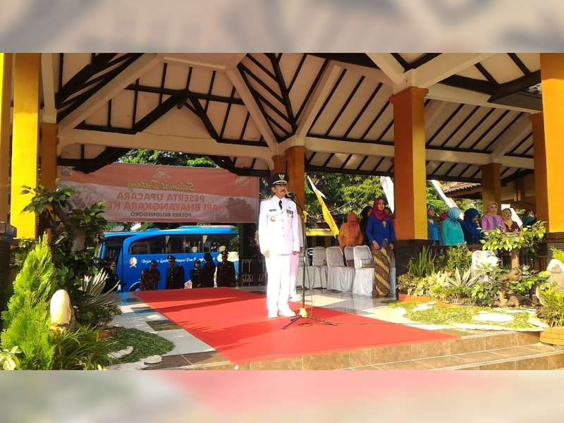 Polres Bojonegoro Gelar Upacara Peringatan Hari Bhayangkara ke-72 di Alun-alun Bojonegoro