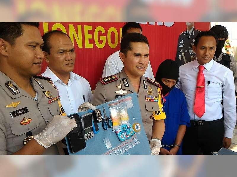 Polres Bojonegoro Tangkap Seorang Pengedar  Narkotika Jenis Sabu