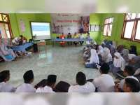 EMCL Belajar Energi Migas Bareng Siswa SMA Islam Gayam