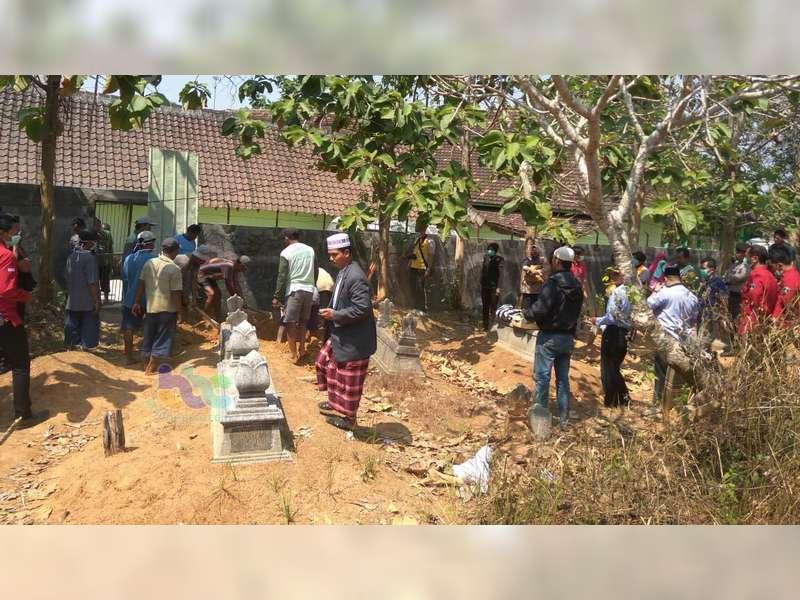 Makam Perempuan Hangus Terbakar di Blora Dibongkar, Jasad Dibawa ke Semarang