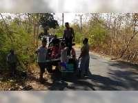 Diserempet Truk, Pembonceng Motor di Gondang Bojonegoro Alami Patah Tulang Kaki