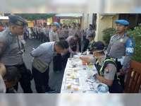 Sie Propam Polres Bojonegoro Laksanakan Tes Urine dan Periksa Kelengkapan Anggota