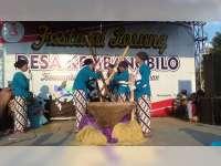 Perayaan HUT Kemerdekaan RI, Warga Kembangbilo Tuban Gelar Festival Lesung