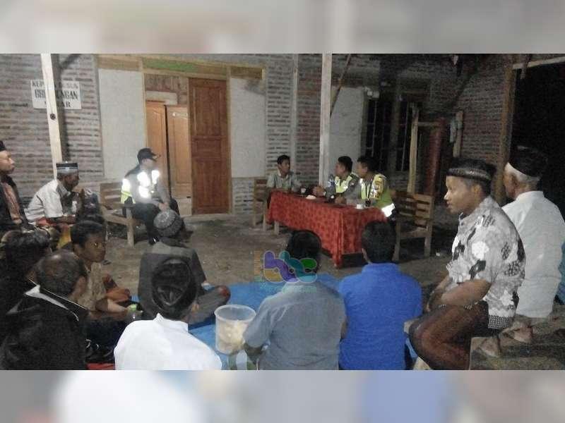 Salah Paham Sesama Warga, Polisi di Sekar Bojonegoro Lakukan Mediasi