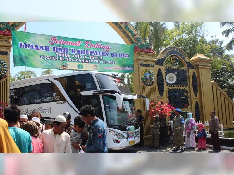 Jamaah Haji Blora Tiba di Kampung Halaman, Tiga Jamaah Haji Meninggal Dunia