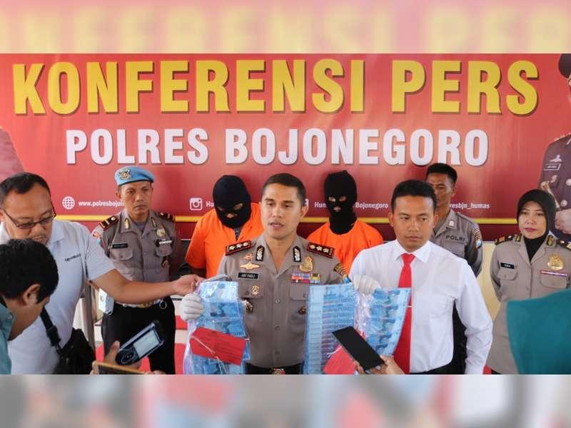 Kedapatan Edarkan Uang Palsu, 2 Orang di Bojonegoro Diamankan Polisi