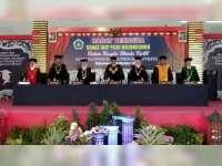 307 Sarjana Pendidikan IKIP PGRI Bojonegoro Diwisuda