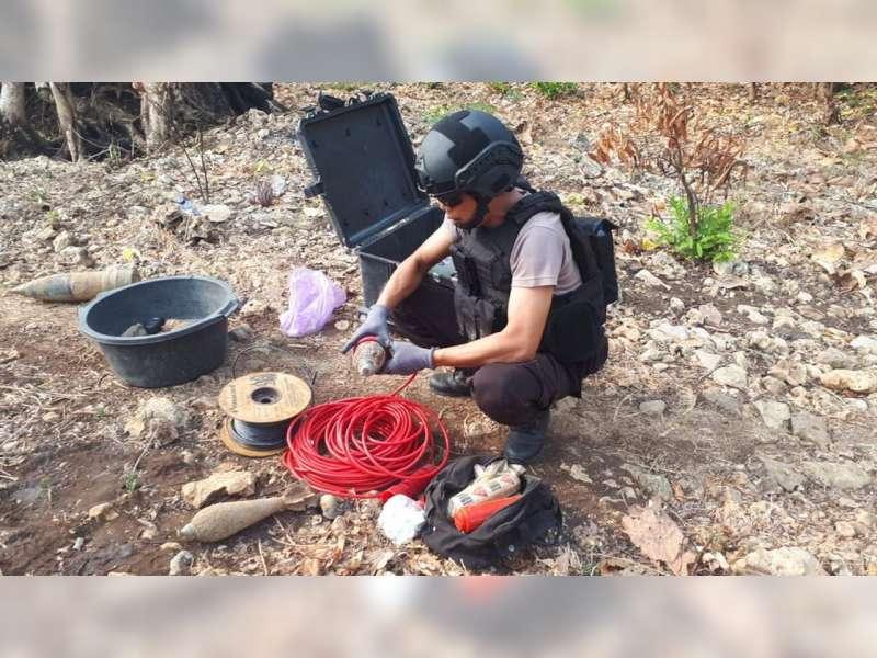 Tim Jihandak Gegana Sat Brimob Polda Jatim, Disposal Bahan Peledak Hasil Temuan