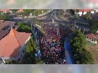 Ribuan Warga Tuban Kembali Ikuti Senam Massal Goyang Dayung di Kawasan CFD