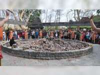 Prosesi Pengambilan Api Abadi Peringatan HJB ke 341, di Lokasi Wisata Khayangan Api