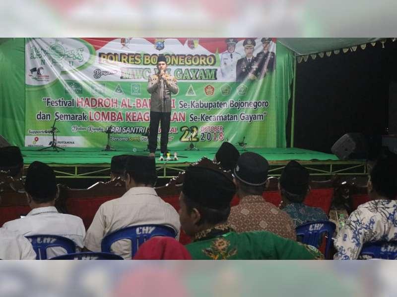 Kapolres Bojonegoro Hadiri Penutupan Festival Hadroh Al Banjari di Gayam