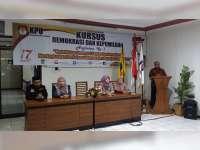 Agar Terwujud Pemilih Pintar, Unirow Bersama KPU Tuban, Gelar Kursus Demokrasi
