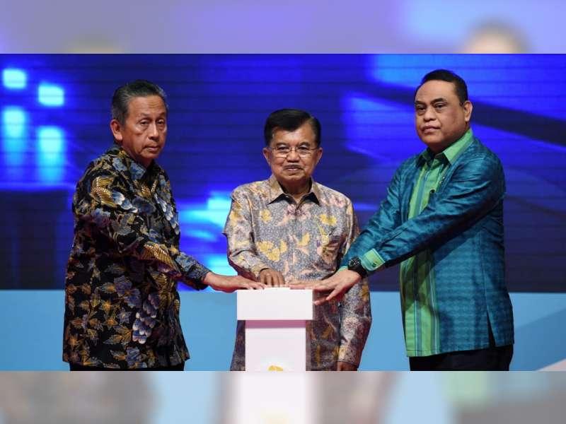 Wakil Presiden Serahkan Penghargaan Top 40 Inovasi Pelayanan Publik 2018