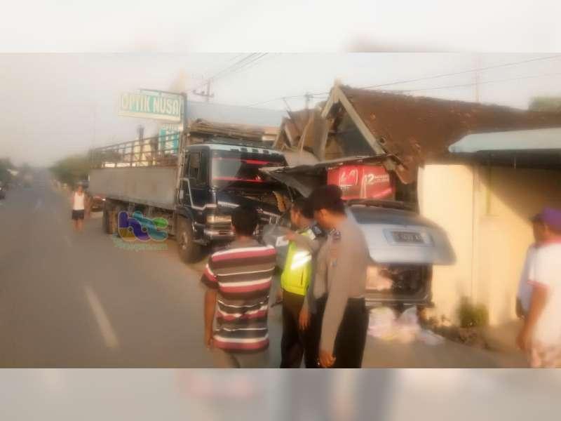 3 Kendaraan Terlibat Kecelakaan Beruntun di Kalitidu Bojonegoro