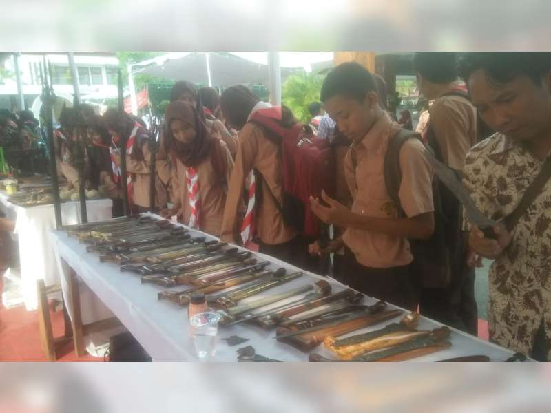 Pelajar di Bojonegoro Ikuti Edukasi Tosan Aji pada Gelaran Festival Pusaka Nusantara 2018