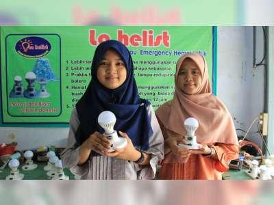 Sepasang Kakak-Adik di Blora Ciptakan Lampu Emergency Hemat Listrik