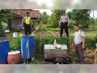 Polisi di Tuban Grebek Produsen Miras, Ratus Liter Arak Siap Edar Diamankan