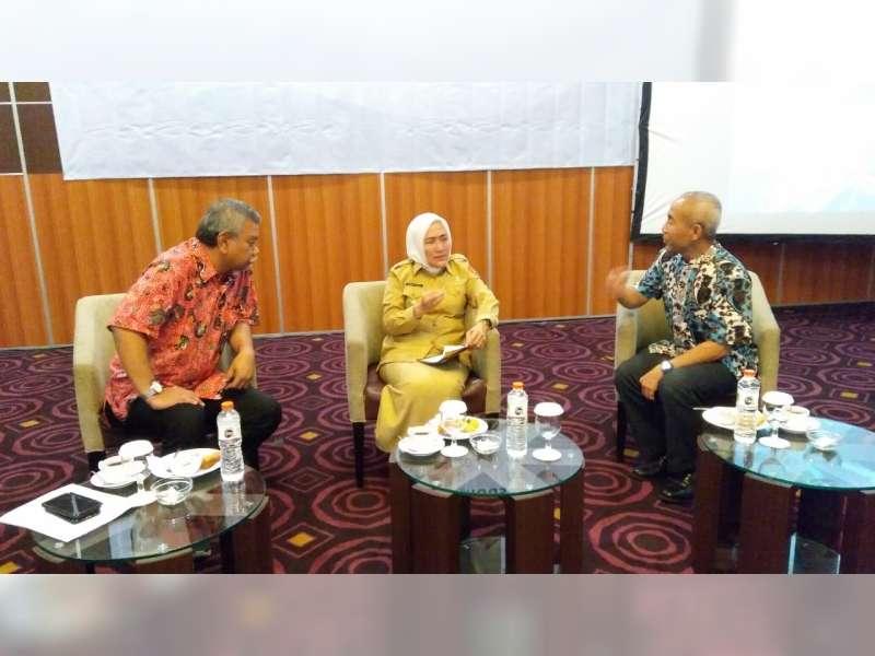 Bupati Hadiri Lokakarya Tata Kelola dan Masa Depan Industri Migas di Bojonegoro