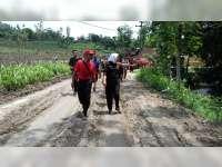 Bupati Bojonegoro Tinjau Dampak Banjir Bandang di Sekar