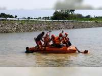 Antisipasi Bencana Banjir, Sat Sabhara Polres Blora Latihan SAR