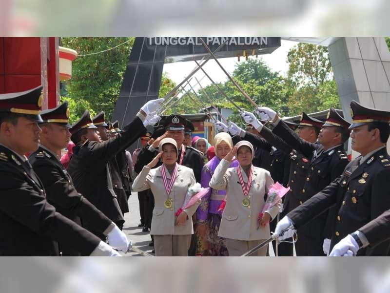 60 Anggota Polres Bojonegoro Naik Pangkat, 22 Anggota Jalani Masa Purna Bakti
