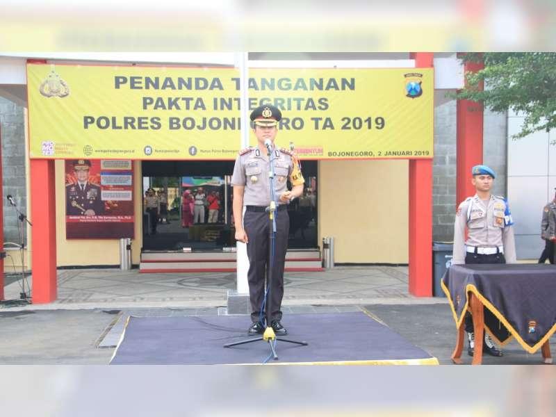 Komitmen Wujudkan WBK, Polisi di Bojonegoro Tanda-Tangani Pakta Integritas