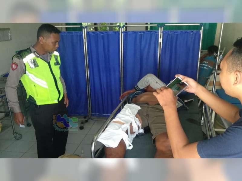 Kecelakaan di Gondang Bojonegoro Seorang Pemotor Alami Patah Tulang Kaki