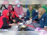 KKN Mahasiswa Undip Semarang, Ajari Ibu-ibu di Blora Olah Singkong