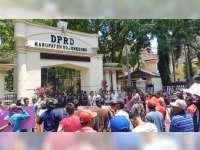 Polres Bojonegoro Beri Pengamanan Unras di Kalitidu dan Gedung DPRD