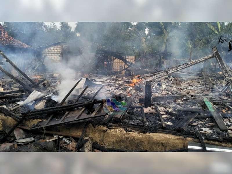 Dua Unit Rumah Milik Warga Soko Tuban, Ludes Terbakar