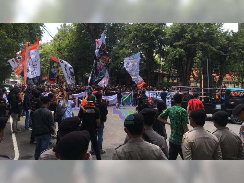 Kelompok Suporter Pendukung Persibo, Datangi Kantor DPRD dan Pendapa Pemkab Bojonegoro