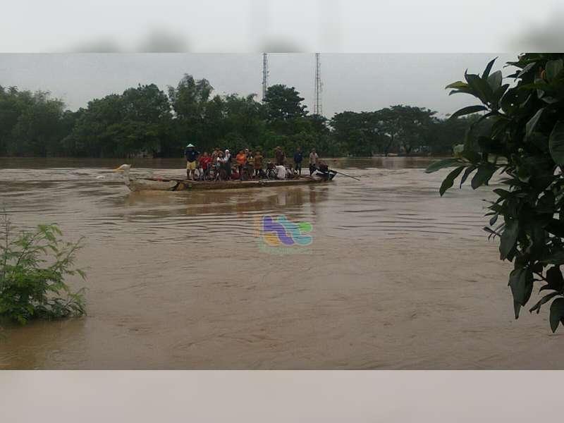 Banjir Bengawan Solo di Bojonegoro Kota Terus Naik, Diperkirakan Akan Masuk Siaga Merah