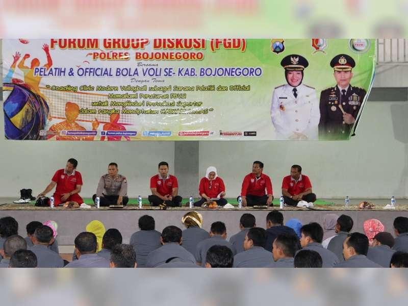 Bupati Buka Acara FGD Bagi Pelatih dan Official Bola Voli se Kabupaten Bojonegoro
