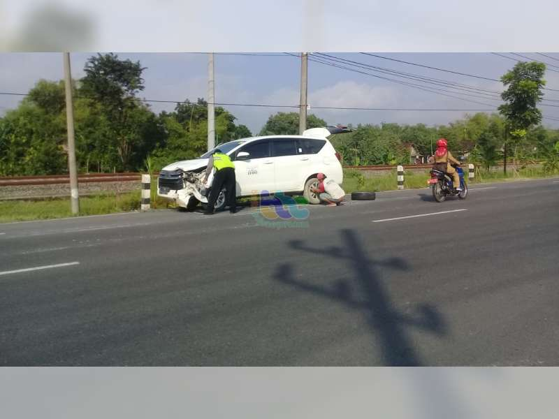 Lima Kendaraan Terlibat Kecelakaan di Bojonegoro Seorang Pemotor Meninggal Dunia