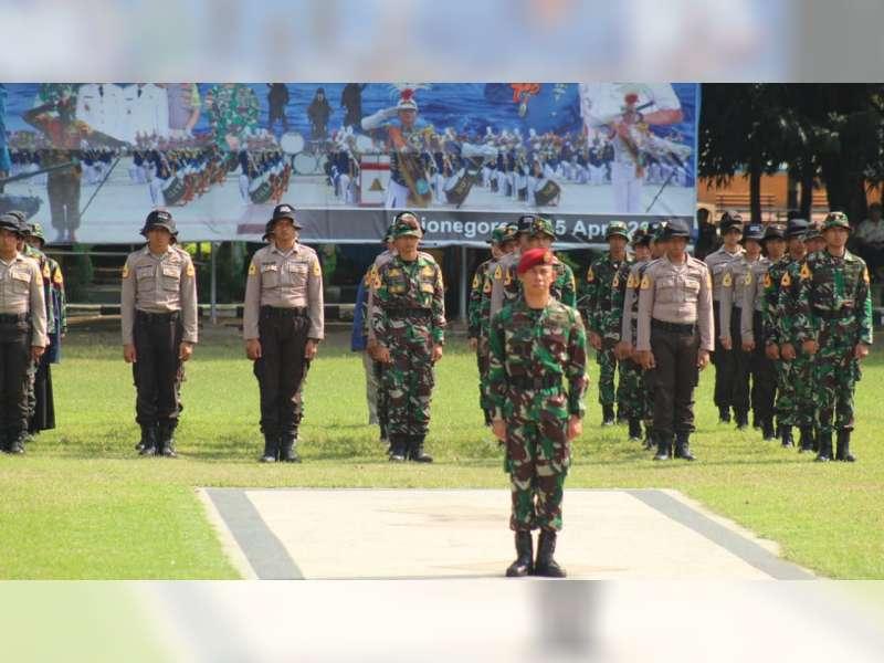 Upacara PelepasanSatlak HiuLatsitardanus ke-39 Dilaksanakan di Alun-Alun Bojonegoro